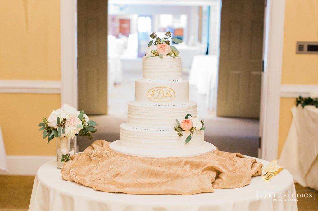 Pawleys Plantation wedding cake
